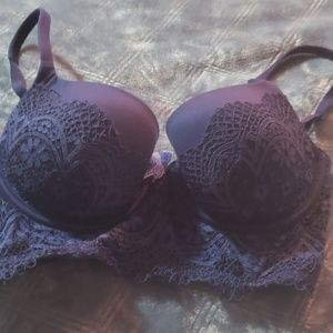 Victoria secret demi bra perfect condition! 32d